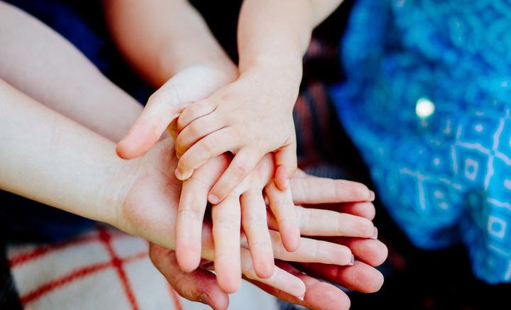 Politique institutionnelle, familiale et sociale