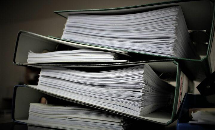 Moins de bureaucratie et État svelte